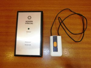 Modern_Vital_call_Wireless_Pendant_transmitter_and_Plug_In_Receiver